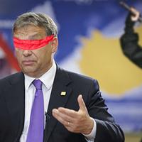 Orbán Viktor nindzsákkal edz