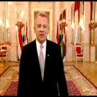 Betiltották az újévi Schmitt Pál-köszöntőt