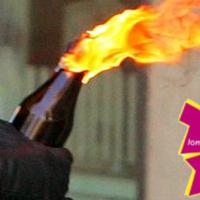 A 2012-es londoni olimpiai lángot molotov-koktéllal gyújták meg