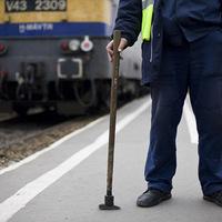 Vasutas béremelés, bérkompenzáció 2014: a VDSZSZ szerint 32 ezret kapnak a vasutasok pluszban