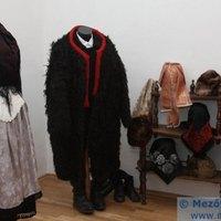 Borsodszirák - paraszt-barokk lakás és viselet