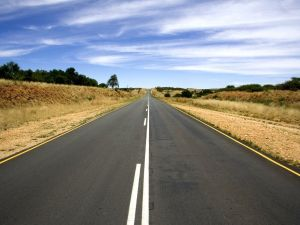 the-road-markings-the-horizon-landscapes-600x450.jpg