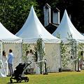 Esküvők futószalagon a stockholmi Skansenben