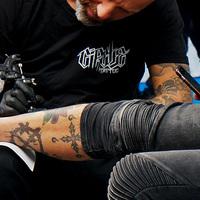 Kitalálós poszt - Mit tetováltat a páciens a lábikrájára?