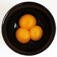 Április elsejei (!) kísérletek tojással (1) A felturbózott tojássárga