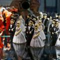 Halloween témájú, apró figurák a stockholmi Néprajzi múzeum boltjának a kínálatából