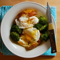 Fóliás krumpli, tojással