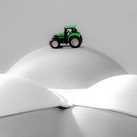 Traktor a pocakon - kismama fotózás