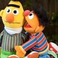 Ernie és Bert valójában melegek?