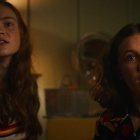 Stranger Things 03x03 - The case of the missing lifeguard