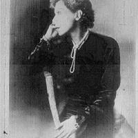 Lilly az első magyar pilótanő