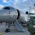 Kinga már Falcon katonai szállítógépet vezet