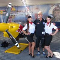 Red Bull Air Race: nők a háttérben
