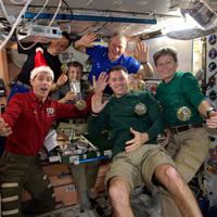 Mikor koccintottak a Nemzetközi Űrállomáson Szilveszterkor?
