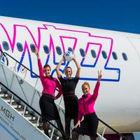 Wizz Air hölgyek és a focilabda