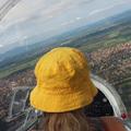 Pici lány a Malév repülőklubban Dunakeszin