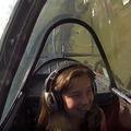 Kislány boldog műrepülése egy Jak-52-ben