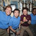 Négy nő egyszerre az űrben
