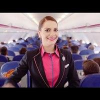 Wizz Air légikisasszonyok videón