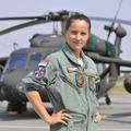 Anja az első szerb katonai helikopter pilótanő