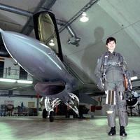 Marianne az F-16-os vadászpilótanő