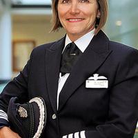 Aki első nőként repült Heathrow T5 terminálról