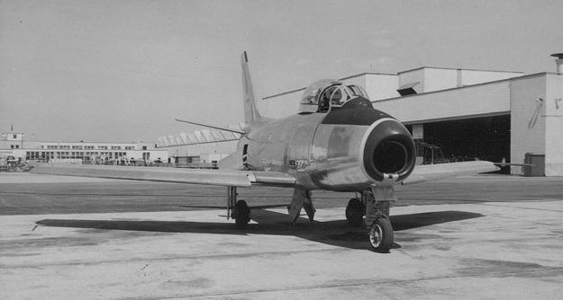 jackiplane1.jpg