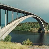 Híd a hőszigetelt burokban