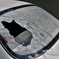 Abszurd bizonyítást vár el a Genertel az autósoktól