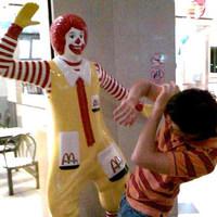 Bunkóparasztozás a Nyugati McDonald'sban