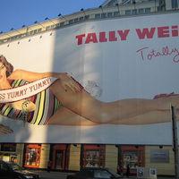 A Tally Weijl szerint a táskájuk csak divatos kiegészítő, amibe nem szabad pakolni