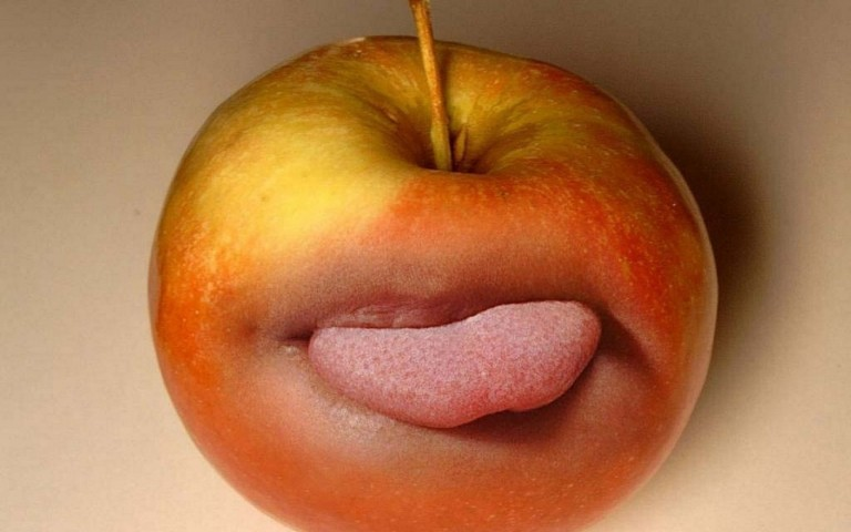 apple-funny-wallpaper.jpg