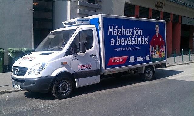 tesco-mercedes-furgon.jpg