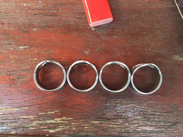 e8b6ec23a7fc Csak egyféle ujjra jó a Gyűrűk Ura sörnyitó gyűrű