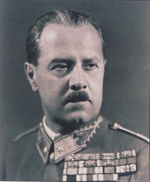 lakatosgeza_portrait_1940s.jpg