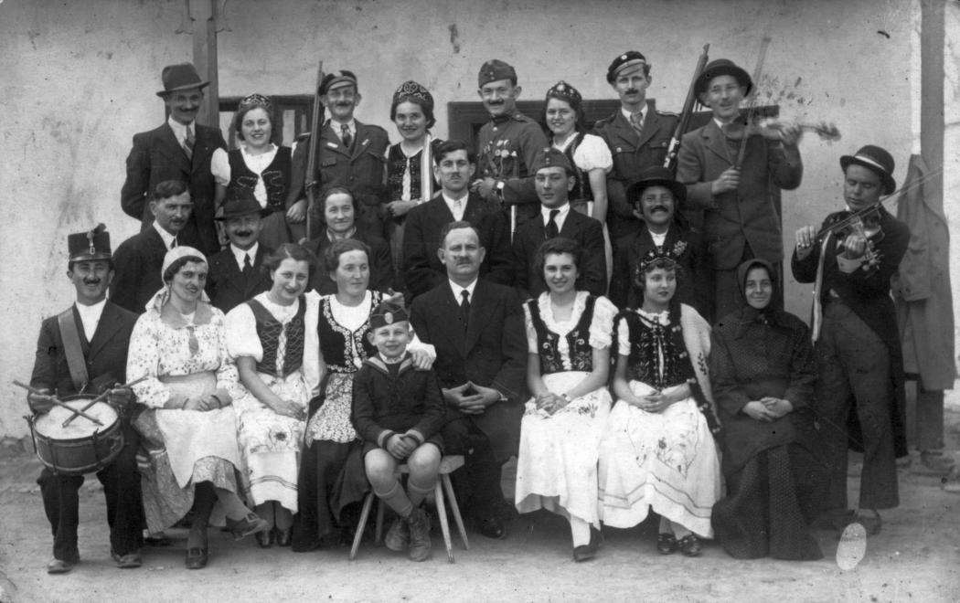 Dunavecse, szüreti bál. (1941) Forrás: Fortepan (70364)