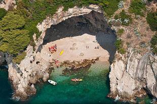 Ezt is látni kell: a Bettina barlang