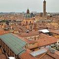 Bologna tanít és etet