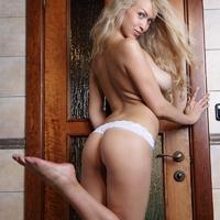 KAYLEE  (12 kép)