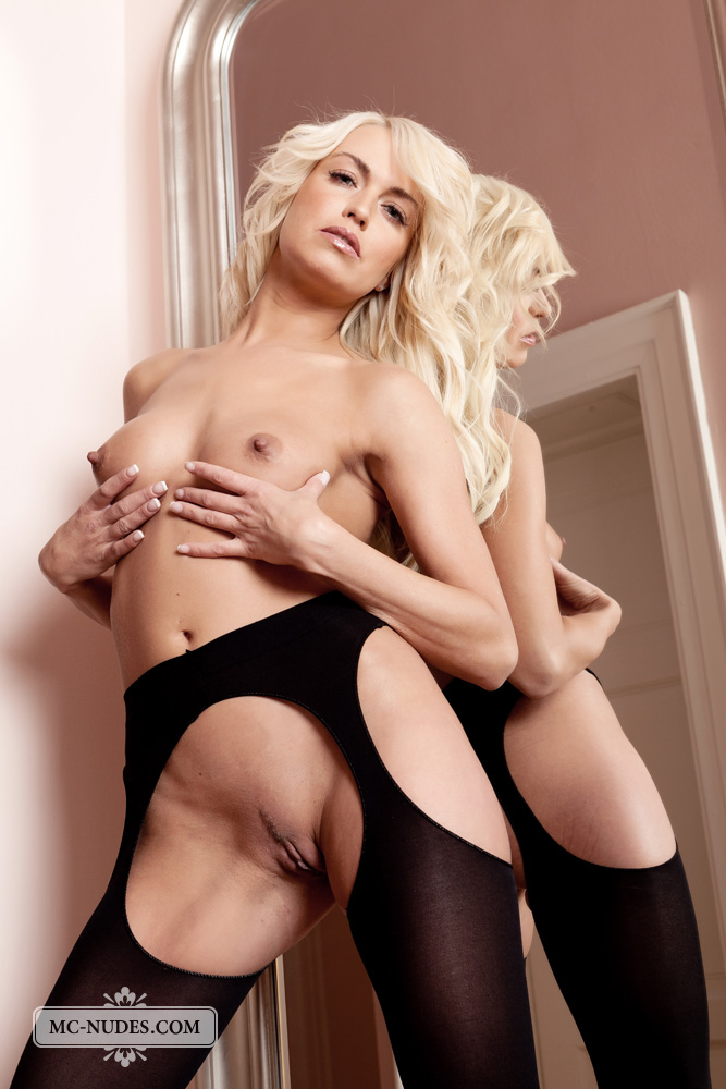 lena_topless_in_thigh_highs-12.jpg
