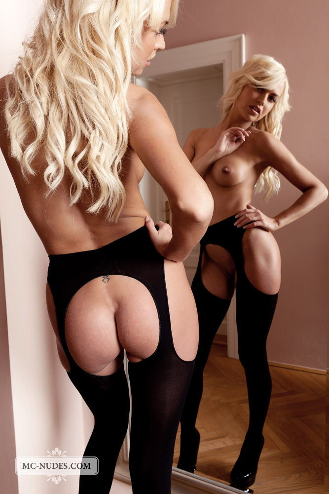 lena_topless_in_thigh_highs-4.jpg