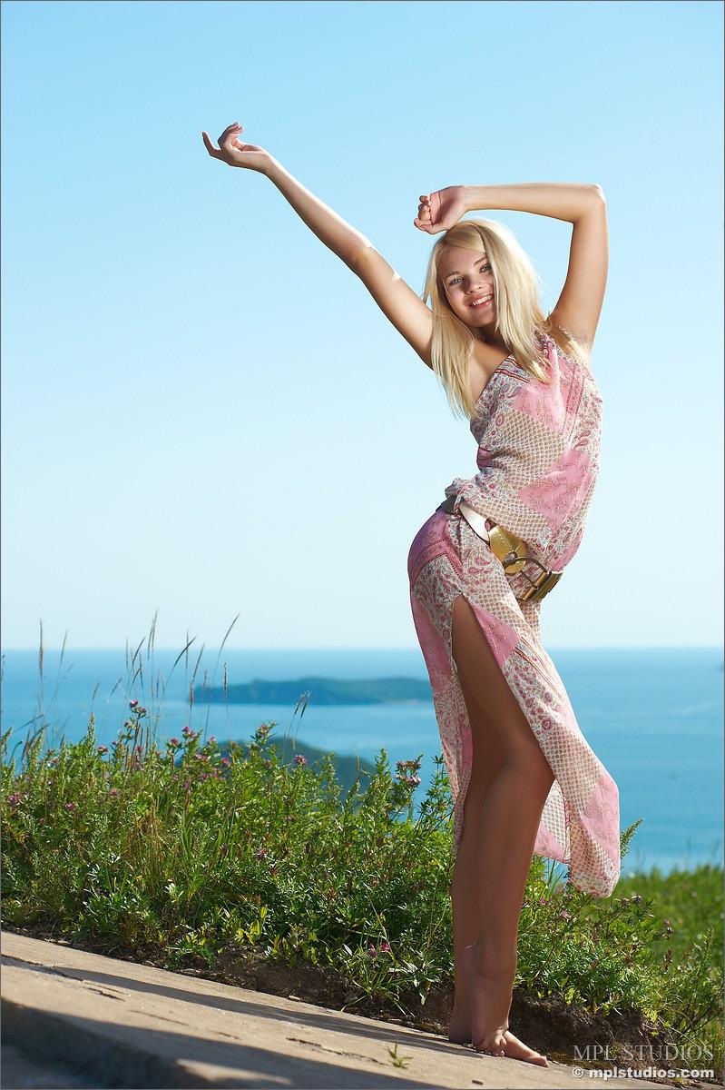 talia-talias-collectors-cut-free-gallery--nudes-erotic-86440_2_big.jpg