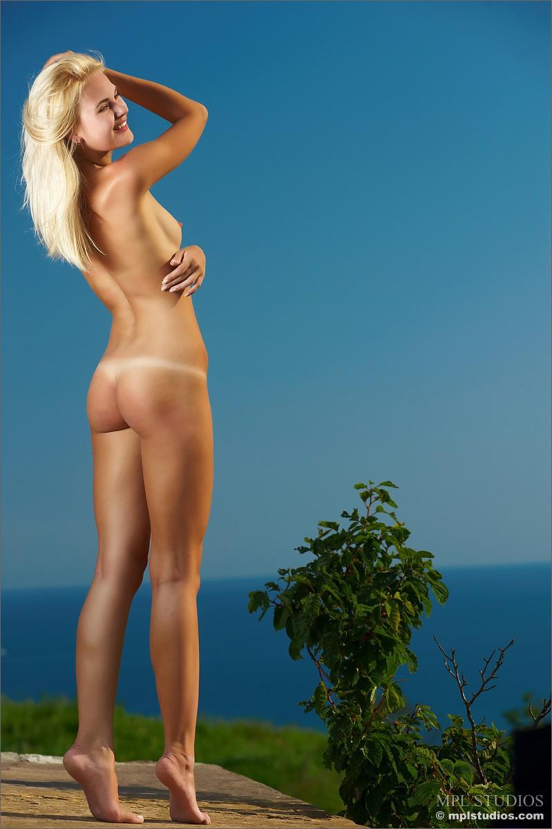 talia-talias-collectors-cut-free-gallery--nudes-erotic-86440_6_big.jpg