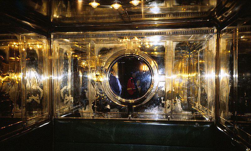 800px-elevator_kehlsteinhaus.jpg