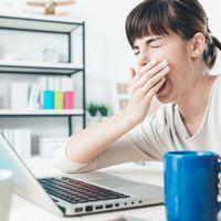 Napközben is folyton álmos a munkahelyen? Ez a 6 leggyakoribb oka!
