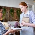Egy pincér munkája stresszesebb, mint egy orvosé?