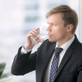 Nyolc óra munka – minimum nyolc deci víz!