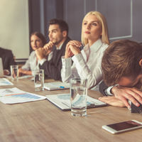 Hogyan bírjuk ki a hosszú meetingeket?