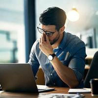Migrénes fejfájás – amitől képtelenség koncentrálni a munkahelyen