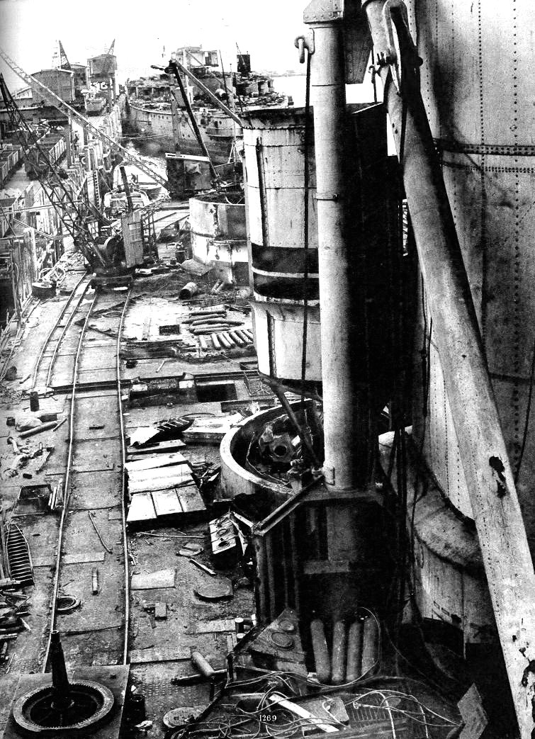 A hajóbontók Kánaánja, Anglia a húszas években. A bontás alatt álló Orion és Erin csatahajók.